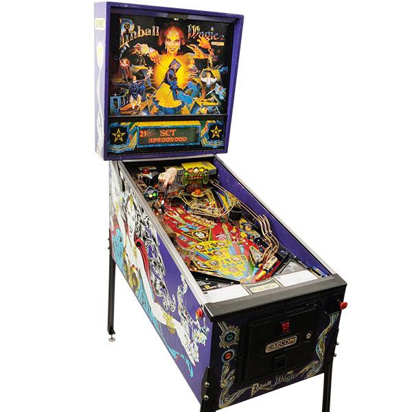 Pinball Magic - USA, 1995Capcom Coin-Op, Inc. 1995 startet die Firma Capcom mit dem Pinball Magic ihre Flipperproduktion, welche aber bereits nach rund einem Jahr und nur sechs Modellen wieder endet. Nur vier Modelle werden in über zweistelligen Stückzahlen gebaut.